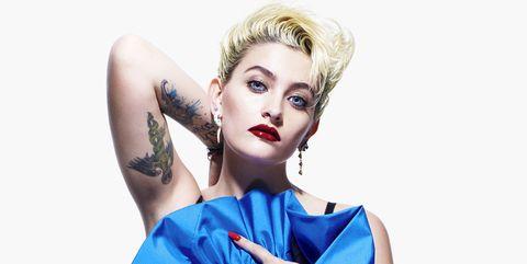Hairstyle, Eyelash, Wrist, Style, Fashion, Model, Electric blue, Fashion model, Eye shadow, Eye liner,