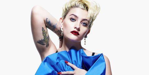 Blue, Fashion model, Clothing, Shoulder, Cobalt blue, Beauty, Fashion, Electric blue, Fashion design, Hairstyle,