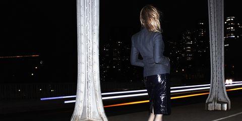 Leg, Human leg, Textile, Style, Darkness, Night, Street fashion, Black, High heels, Knee,