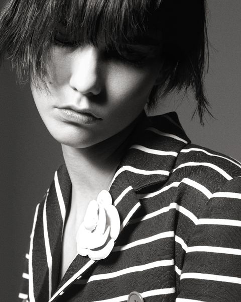 Hair, Face, Black, White, Black-and-white, Hairstyle, Lip, Cool, Beauty, Nose,