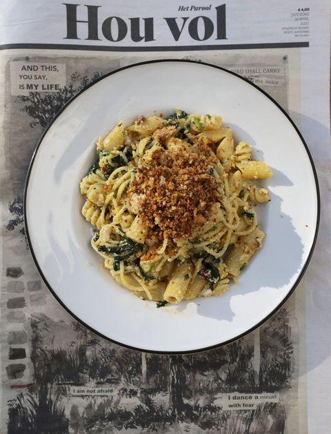 bord pasta op het parool