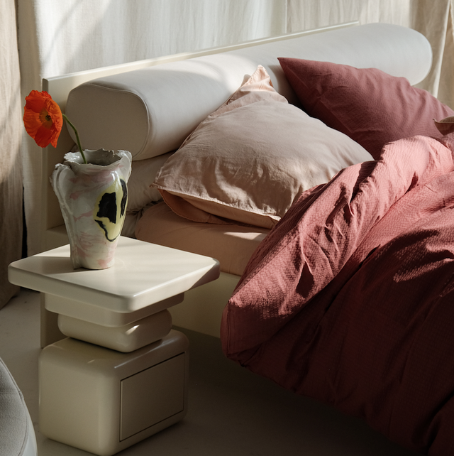 crisp sheets bed