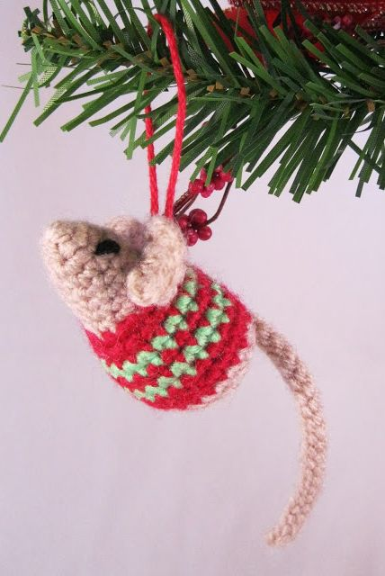 crochet mouse Christmas ornaments