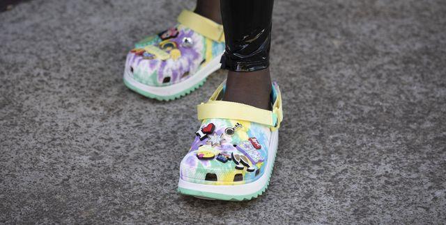 rubberen schoenen crocs trend