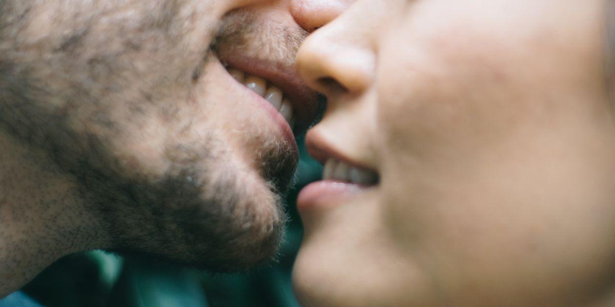 Cute Teen Lesbian Kissing