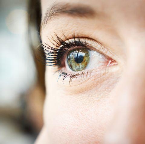 woman worm in eye