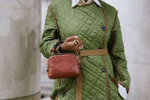 уличный стиль на неделе моды в париже женская одежда весна-лето 2021, день четвертый