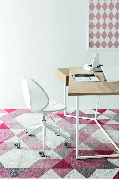 Tavoli e scrivanie da ufficio:Layers di Gino Carollo per Calligaris