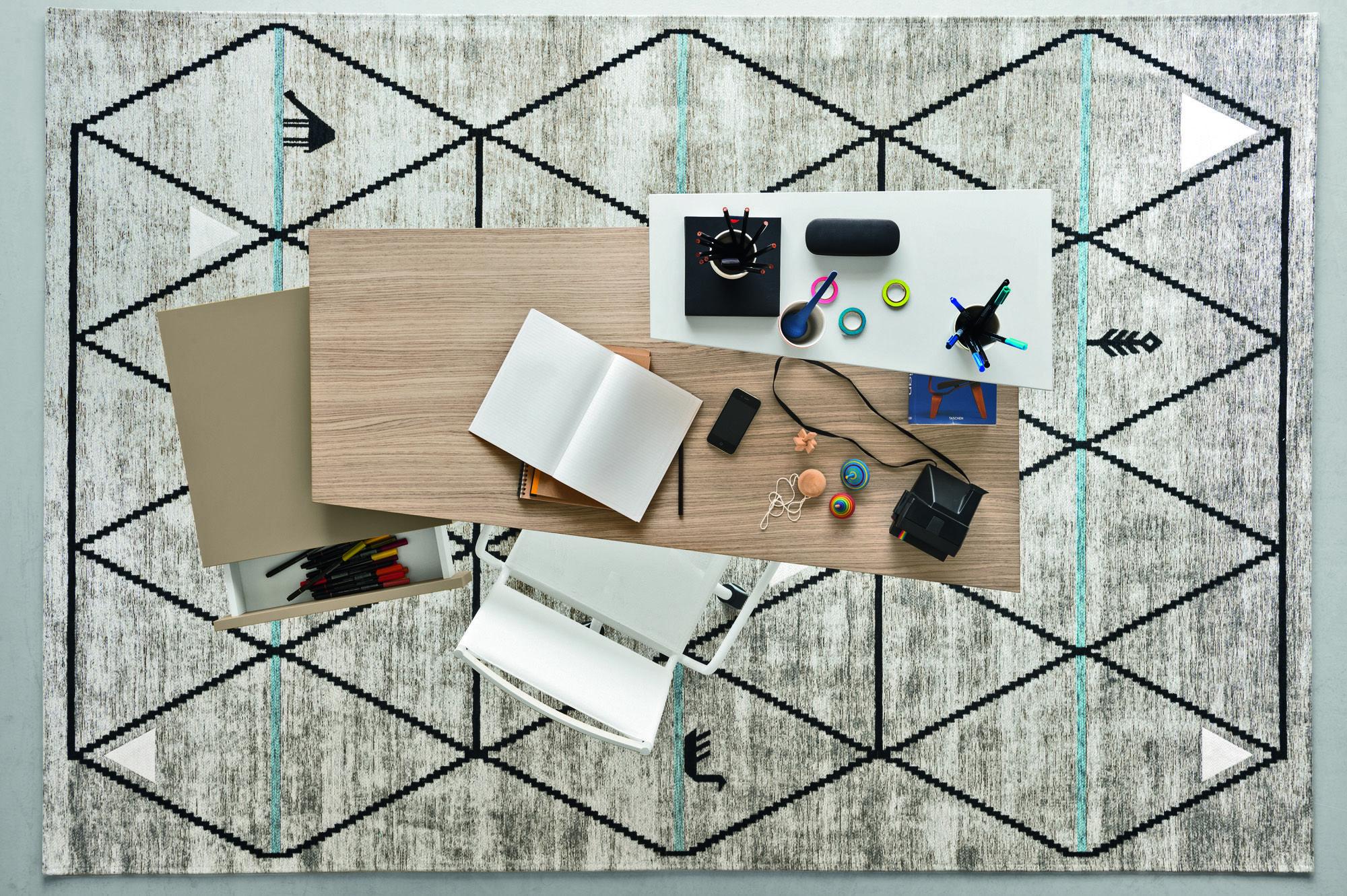 Tavoli e scrivanie per ufficio idee arredo innovative