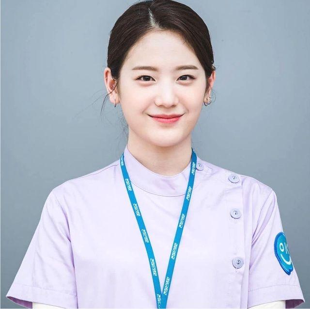 雖然是精神病但沒關係「善星」是由 22 歲偶像歌手張圭悧飾演