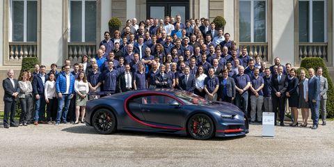 Land vehicle, Vehicle, Car, Supercar, Bugatti veyron, Bugatti, Automotive design, Motor vehicle, Sports car, Luxury vehicle,