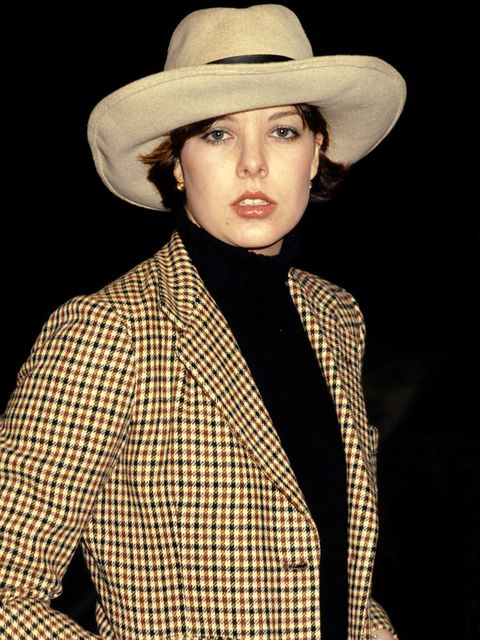 Hat, Clothing, Fedora, Fashion accessory, Headgear, Fashion model, Costume hat, Cowboy hat, Sun hat, Beige,