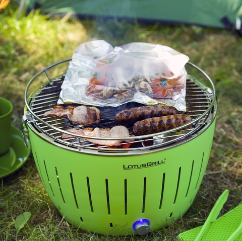 How To Clean A Barbecue 12 Bbq Grill Cleaning Hacks