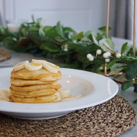 banana and cream pancakes