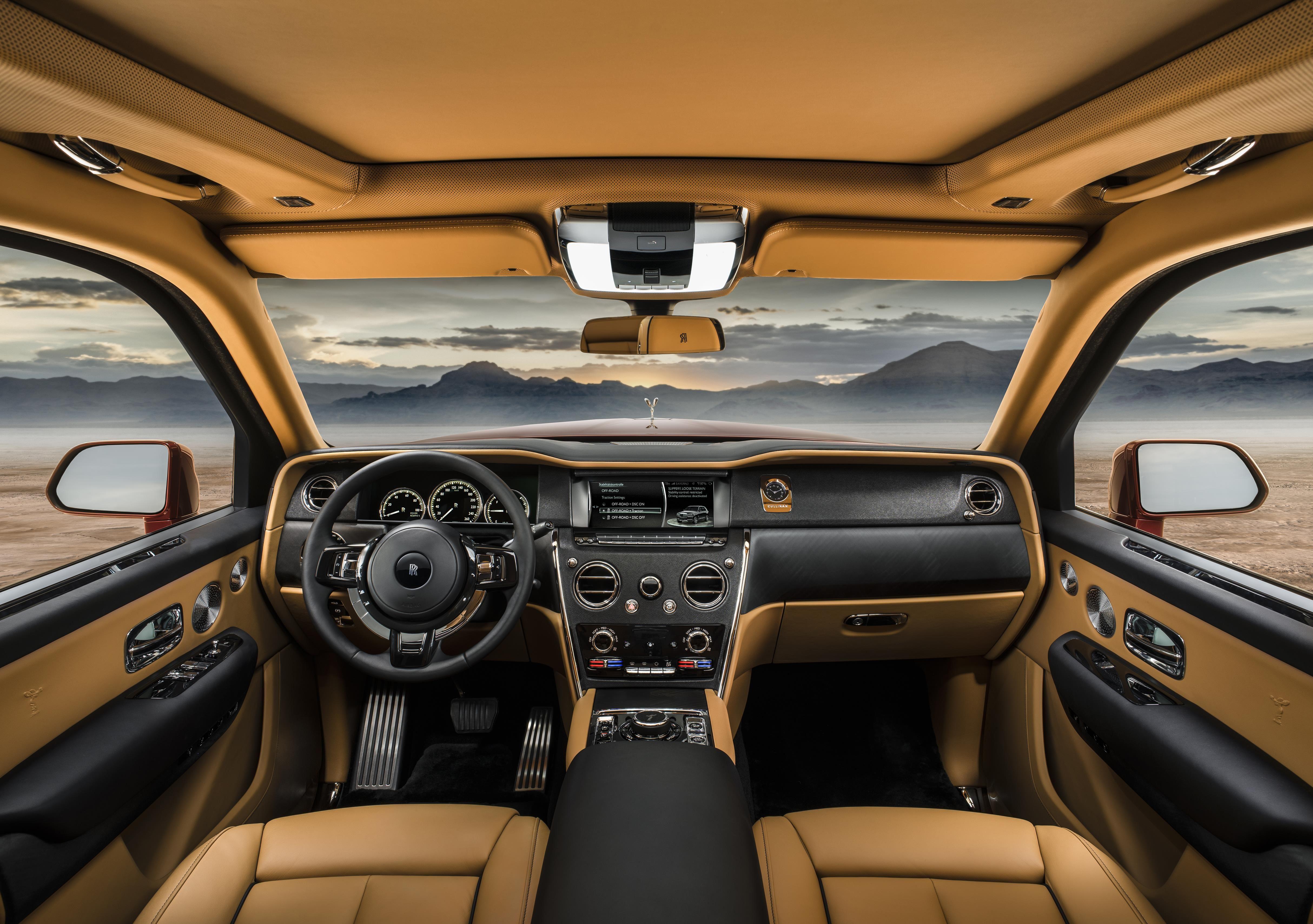 cullinan mr interior 2 1526049599 - Αυτό είναι το πρώτο SUV της Rolls-Royce