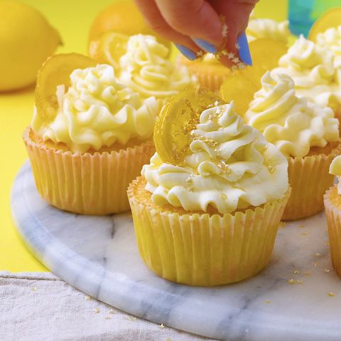 Gin and Prosecco Lemon Drizzle Cupcakes