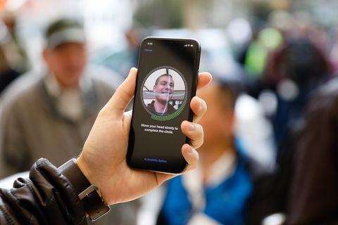 FBI Unlocks a Suspect's iPhone Using His Face