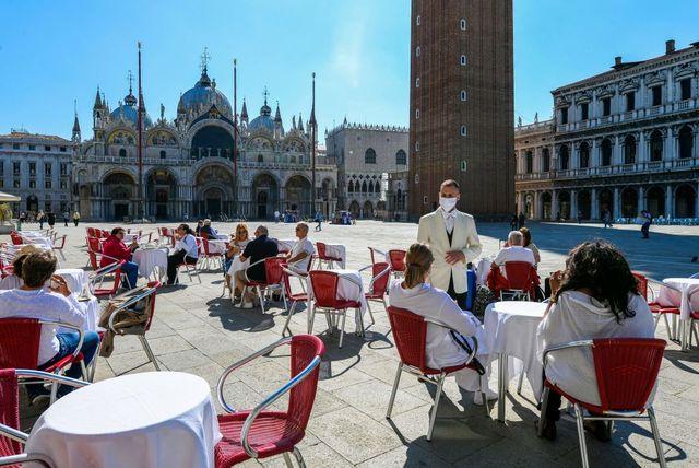 italy health virus lifestyle tourism venice