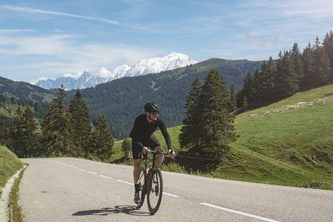 Cyclist climbing the Col des Aravis