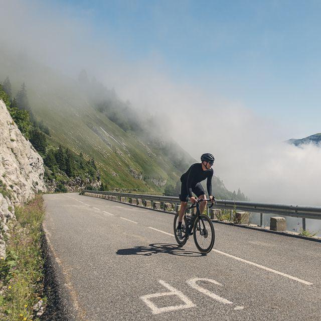 cyclist climbing the last km of col de la colombière