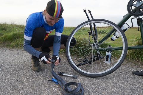 Flat Fix Near Me >> Everything You Need To Know To Fix A Flat Bicycle Tire