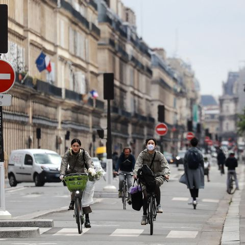 french cyclists in a busy bike lane during the coronavirus pandemic