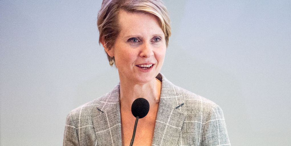 Cynthia Nixon Shared the Story of Her Mother's Illegal Abortion, All While Holding Up a Coat Hanger