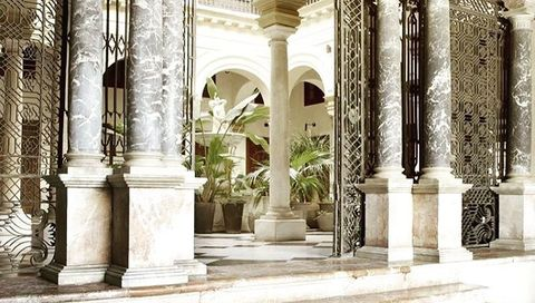 Column, Arch, Building, Architecture, Holy places, Arcade, Classical architecture, Courtyard, Palace, Facade,