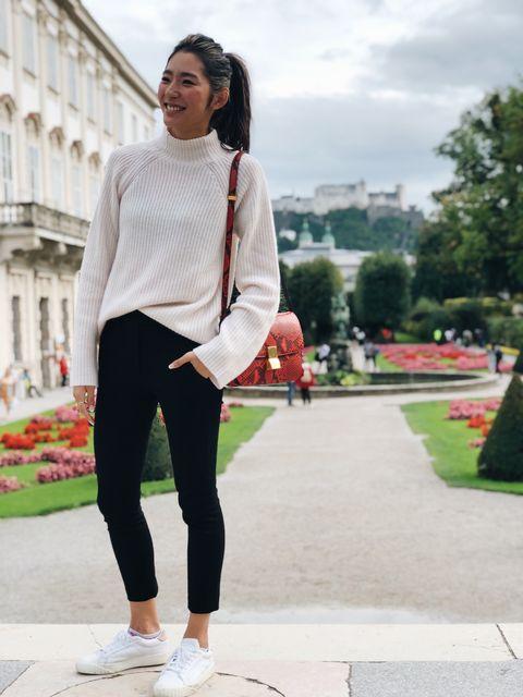 White, Black, Clothing, Photograph, Street fashion, Pink, Fashion, Jeans, Footwear, Snapshot,