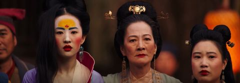 Hair, Eyebrow, Nose, Headpiece, Forehead, Human, Peking opera, Temple, Black hair, Scene,