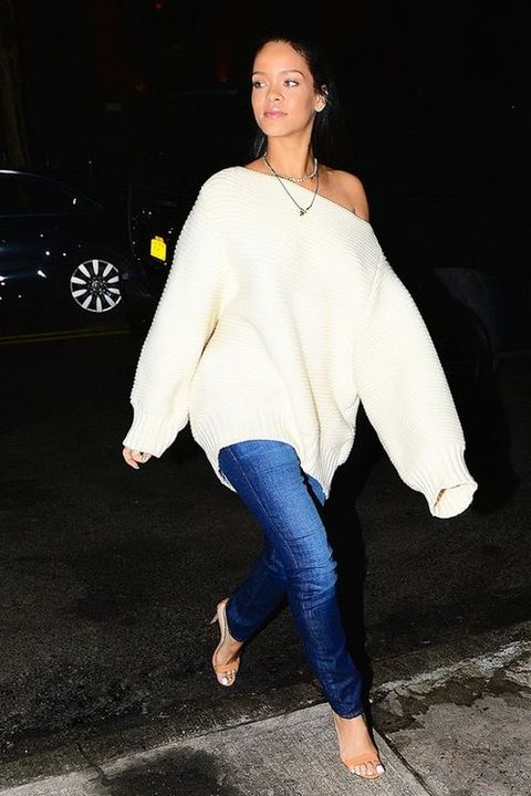White, Clothing, Fashion, Blue, Footwear, Jeans, Street fashion, Leg, Shoulder, Outerwear,