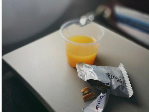 Serveware, Juice, Drink, Orange juice, Dishware, Tableware, Ingredient, Orange drink, Agua de valencia, Mimosa,