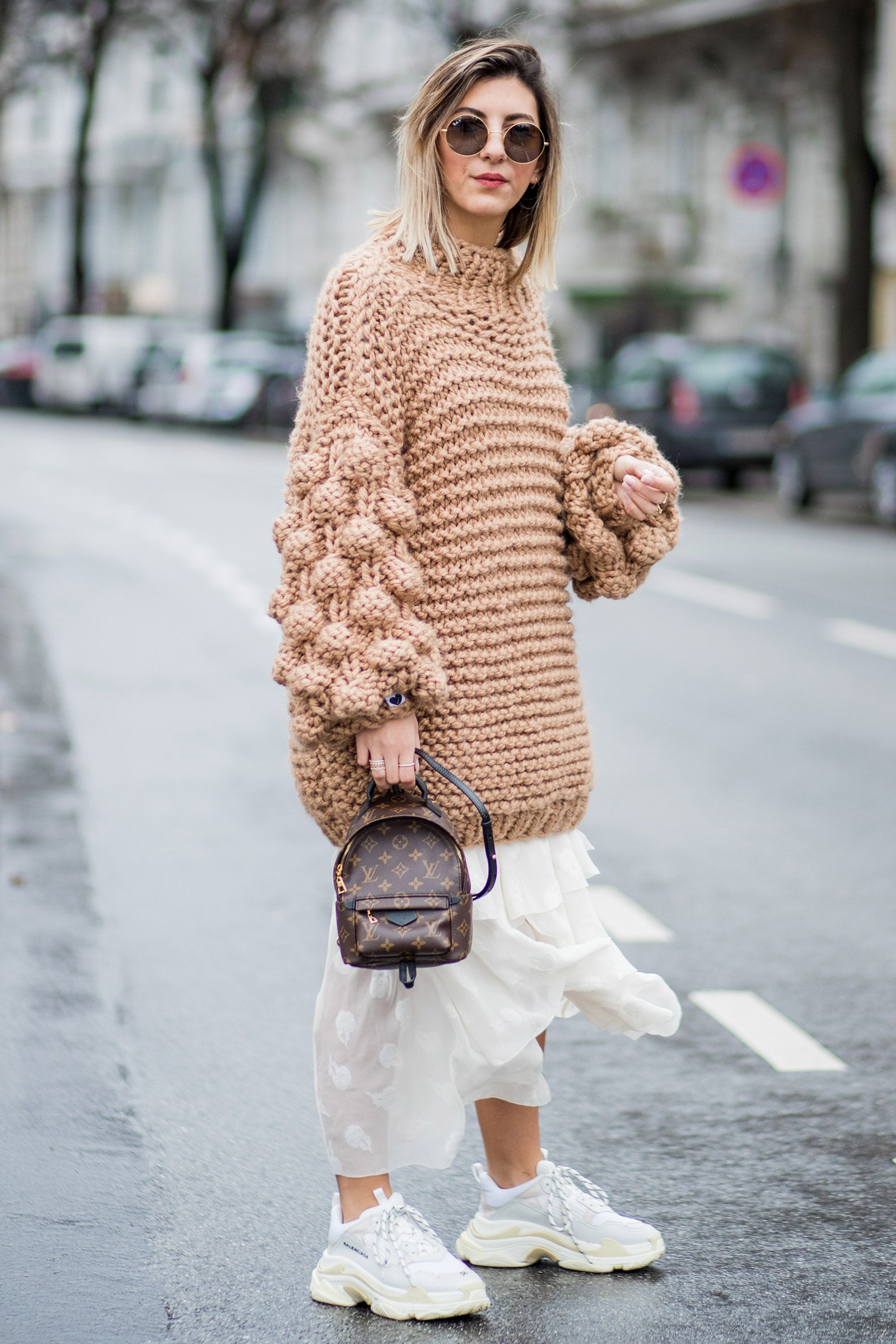 chunky trainers trend