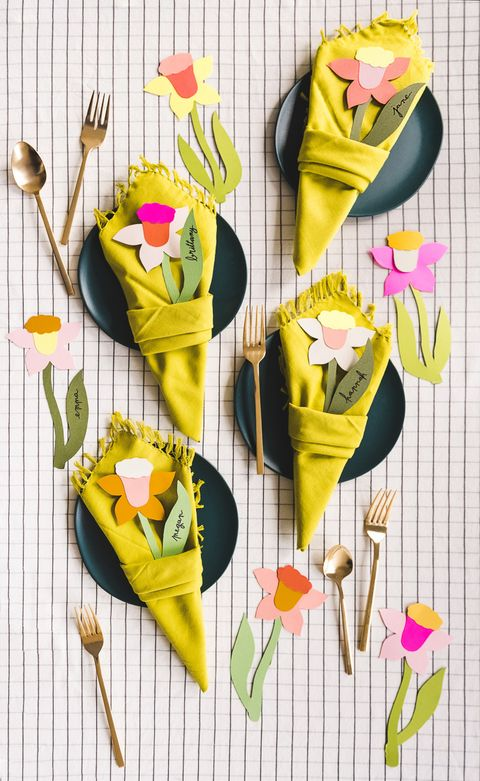 daffodil napkin bouquet napkin folding ideas