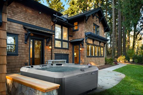 Buy Hot Tub >> How To Buy A Hot Tub Hot Tub Buying Guide 2019