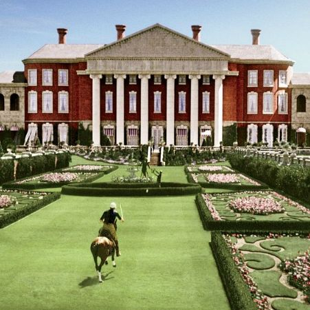 the buchanan estate, as seen in the 2013 film adaptation of the great gatsby