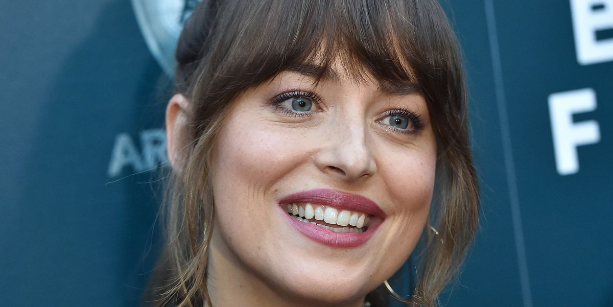 Twitter Is Freaking TF Out Over Dakota Johnson Closing Her Tooth Gap