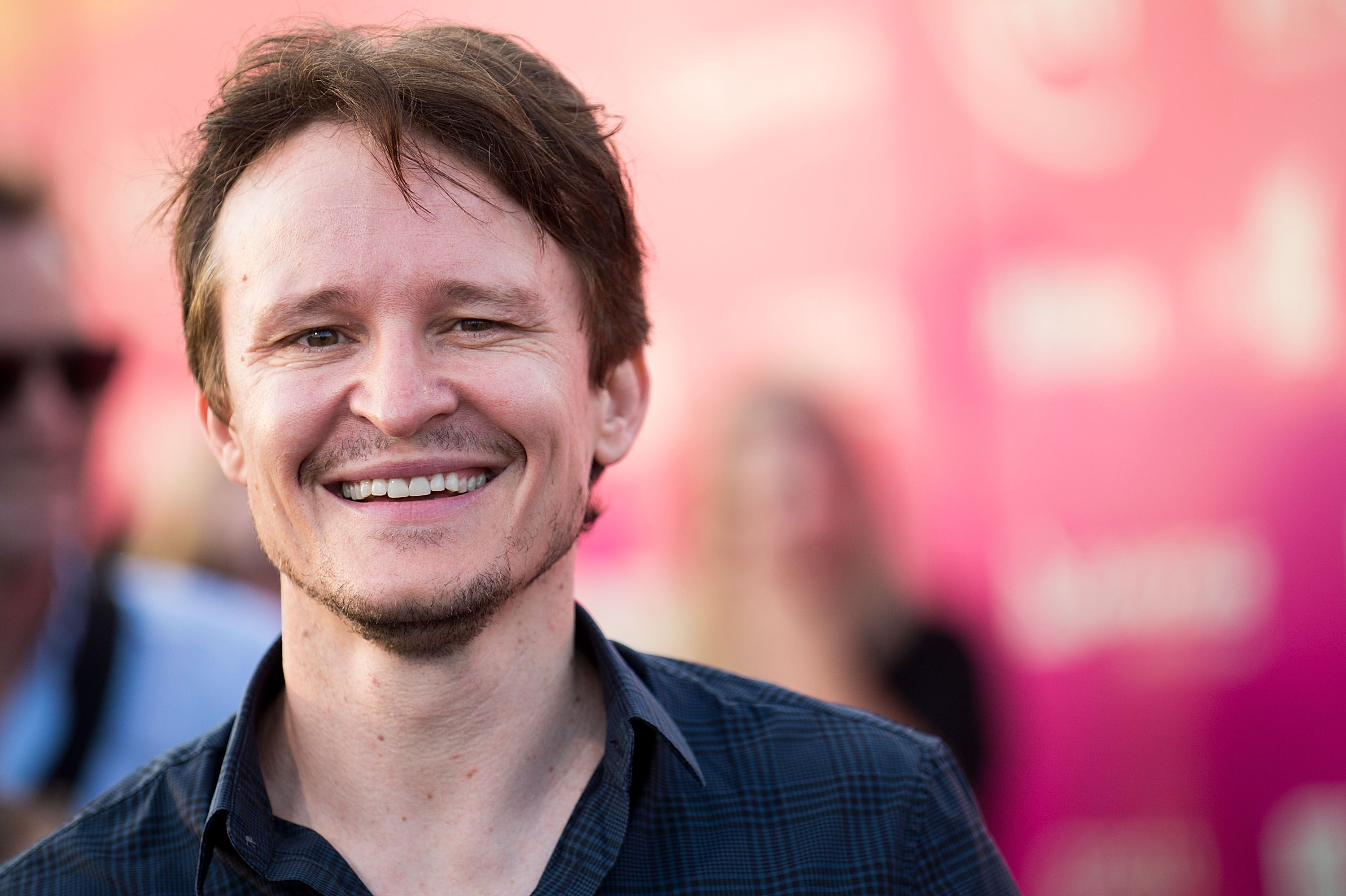 damon-herriman-arrives-at-tropfest-at-centennial-park-on-news-photo-510187422-1535533578 'ONCE UPON A TIME IN HOLLYWOOD': TARANTINO YA TIENE A SU CHARLES MANSON