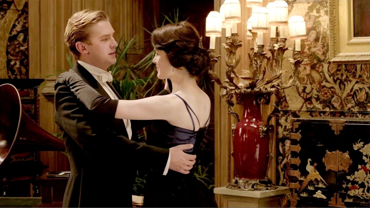 Why Dan Stevens is Still Apologizing for 'Downton Abbey' - Dan Stevens on Matthew Crawley's Death