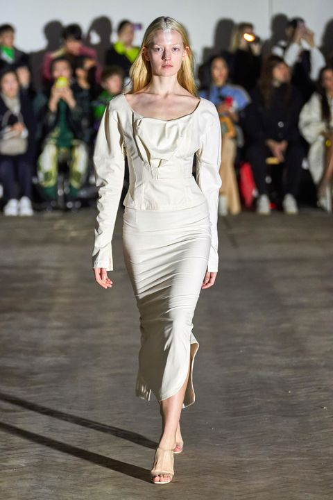 Fashion model, Fashion show, Fashion, Runway, Clothing, Shoulder, Dress, Fashion design, Haute couture, Event,