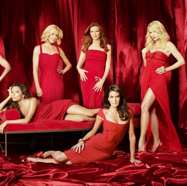 dana delany, eva longoria parker, felicity huffman, marcia cross, teri hatcher, nicollette sheridan promotional photo for 'desperate housewives'