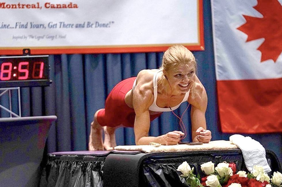 Watch This Woman Set a New World Record for the Longest Plank Hold