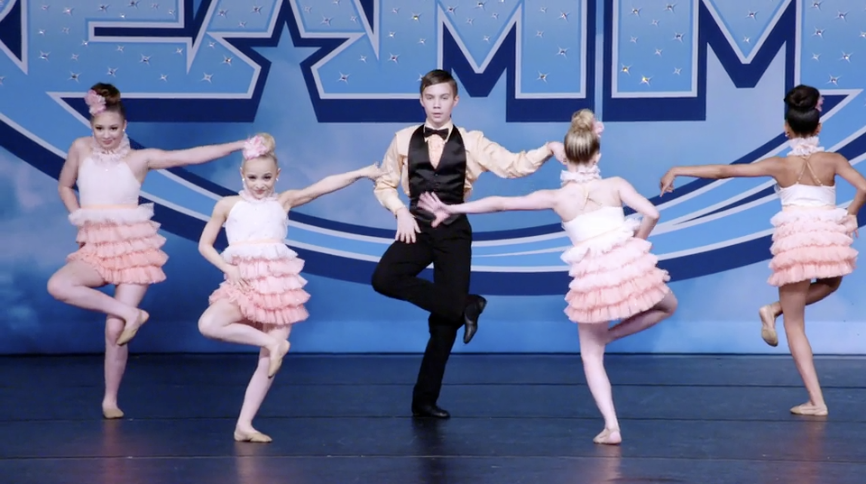 'Dance Moms' Did A Bob Fosse-Inspired Performance & It's So Cool To Watch