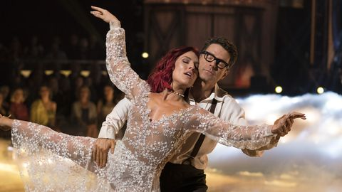 The New 'Dancing With the Stars' Winner of Season 27 Has Sparked a Major Twitter Controversy