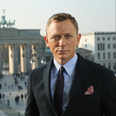 •There Will  Be Blood... |Priv| •Abigail McDowell Daniel-craig-poses-with-the-brandenburg-gate-behind-during-news-photo-494680280-1560777549.jpg?crop=0.668xw:1.00xh;0