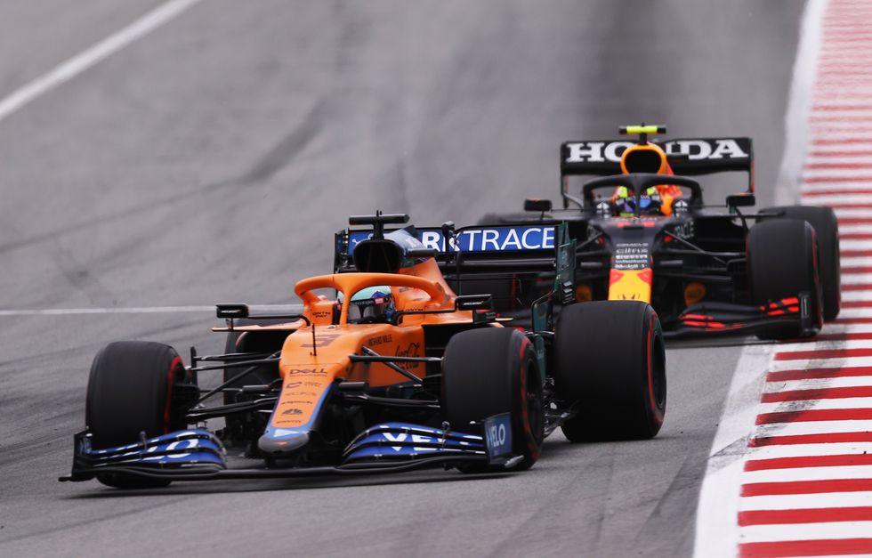 Red Bull apremia a Pérez para que aporte estratégicamente