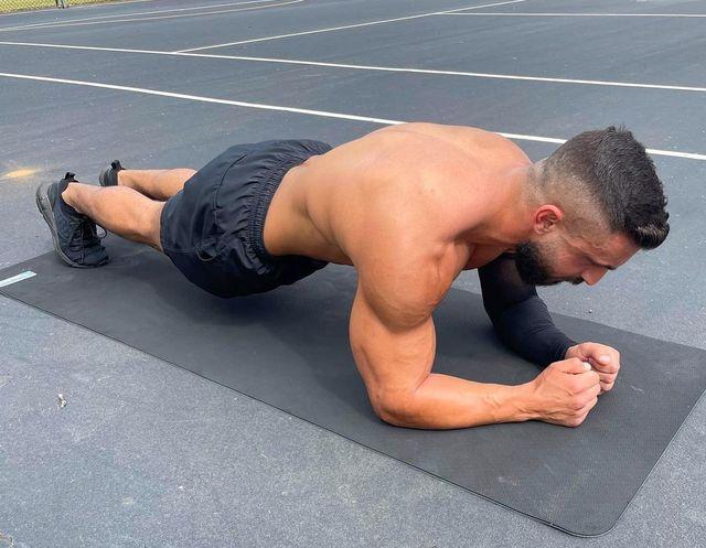 9時間30分,プランク,最長世界記録,更新,plank,daniel scali,腹筋,体幹,