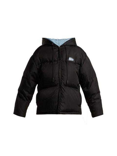 Hood, Outerwear, Clothing, Jacket, Black, Sleeve, Hoodie, Jersey, Parka, Zipper,