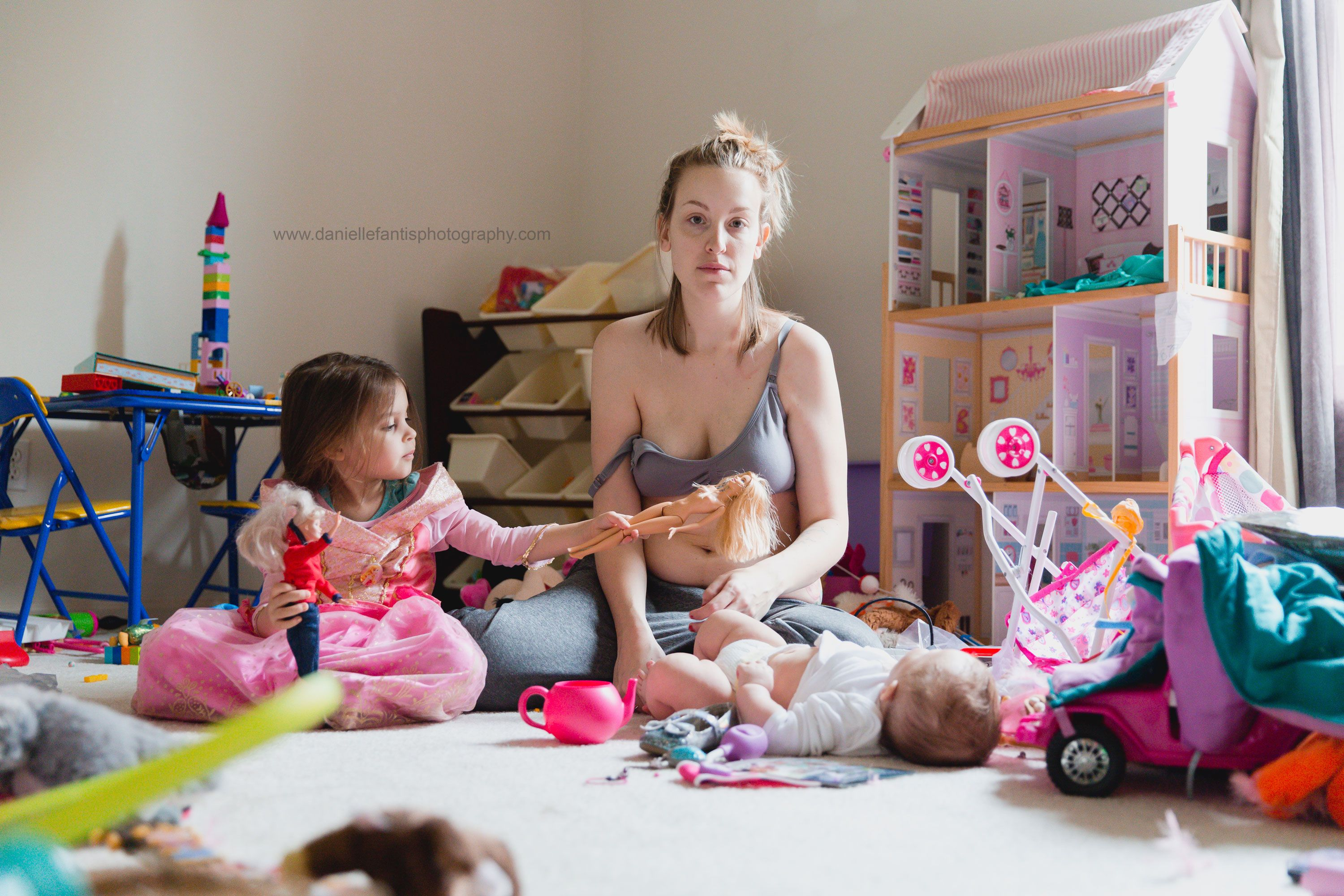 This viral photo perfectly shows the reality of postpartum depression