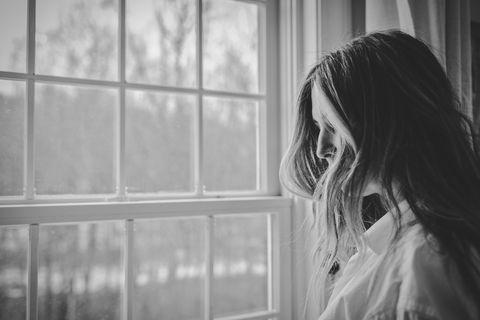 Vrouw voor het raam